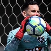 Zé Ricardo confirma retorno de meias e não descarta Gatito contra o São Paulo