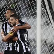 Diego Souza e Rodrigo Pimpão recebiam mais que Kalou e Honda no Botafogo