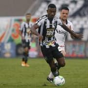 Comentarista critica Kalou no Botafogo: 'Parece que nem sabe onde está'