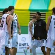 Basquete: Botafogo vence NBPG/Ponta Grossa em jogo emocionante e vai ao Final Four do Brasileiro