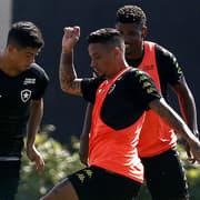 Botafogo ganha alívio de R$ 125 mil na folha salarial com saída de trio