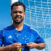 Empresário confirma consulta do Botafogo por Claudinho, mas intenção é ficar no Cruzeiro