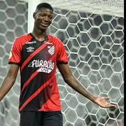 (OFF) Ex-Botafogo, Matheus Babi vai passar por cirurgia no joelho e só volta a jogar pelo Athletico-PR em 2022