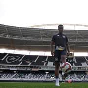 Jonathan, Ricardinho e Kayque não viajam com o Botafogo para duelo com o Operário-PR