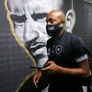 Com fadiga muscular, Chay desfalca Botafogo contra Operário