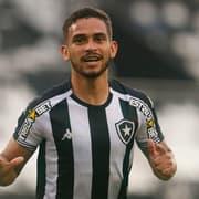 Marco Antônio celebra grande atuação: 'Fico muito feliz de estar ajudando o Botafogo'