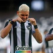 Botafogo põe cinco na seleção da rodada da Série B, dominada também por Coritiba e Goiás