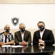 Rafael é aprovado em exames médicos e assina contrato com o Botafogo até 2023