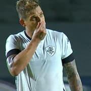Rafael Moura leva terceiro cartão amarelo e desfalca Botafogo contra Londrina