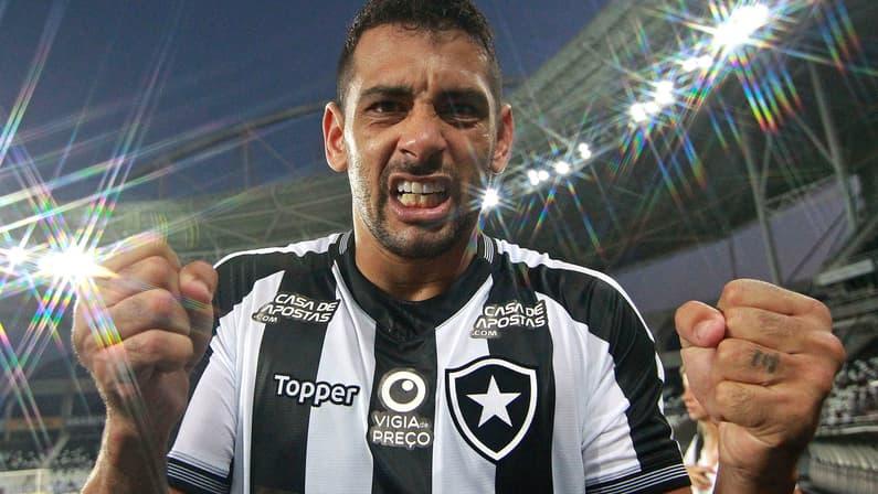 Empresa processa Botafogo em mais de R$ 650 mil por dívida na contratação de Diego Souza