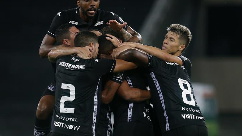 Botafogo paga 60% dos salários da CLT de abril aos jogadores e pretende pagar restante na próxima semana