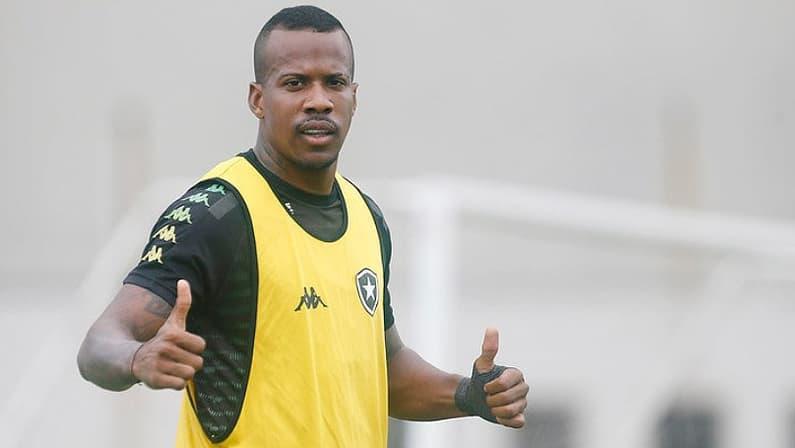 Guilherme Santos vai renovar contrato com o Botafogo até fevereiro de 2021