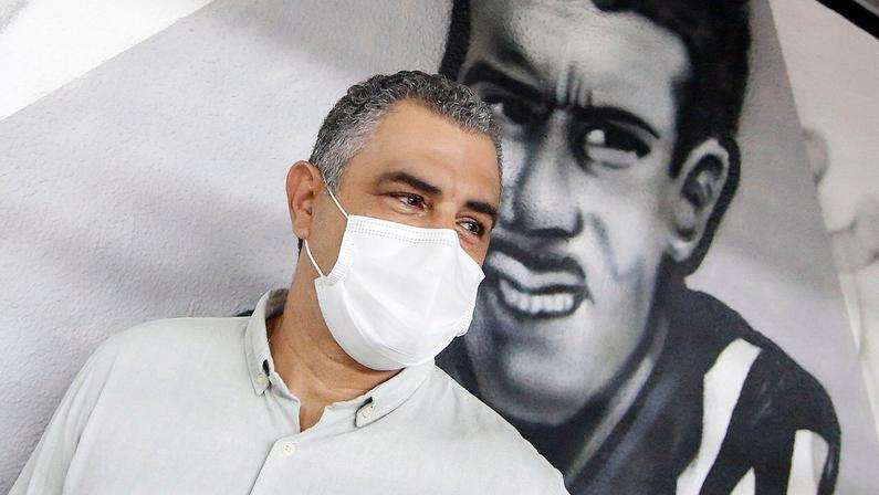 Técnico Marcelo Chamusca se apresenta ao Botafogo