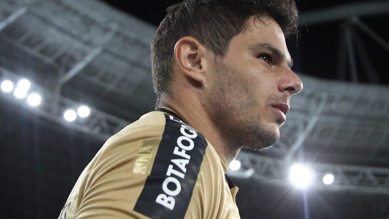 Douglas Borges projeta final e celebra sequência no Botafogo: 'É um sonho que estou vivendo'