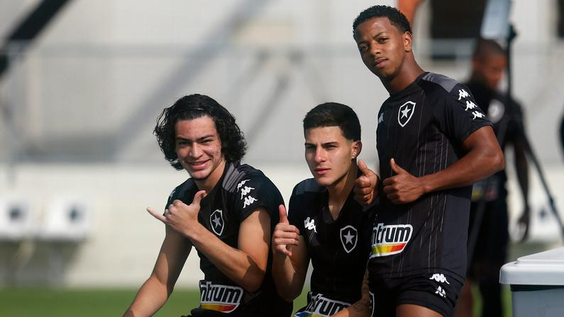 Matheus Nascimento e Ênio vão reforçar sub-20 do Botafogo na Copa do Brasil
