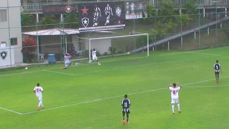 Gol contra de Victor Darub - Botafogo x São Paulo - Campeonato Brasileiro Sub-17