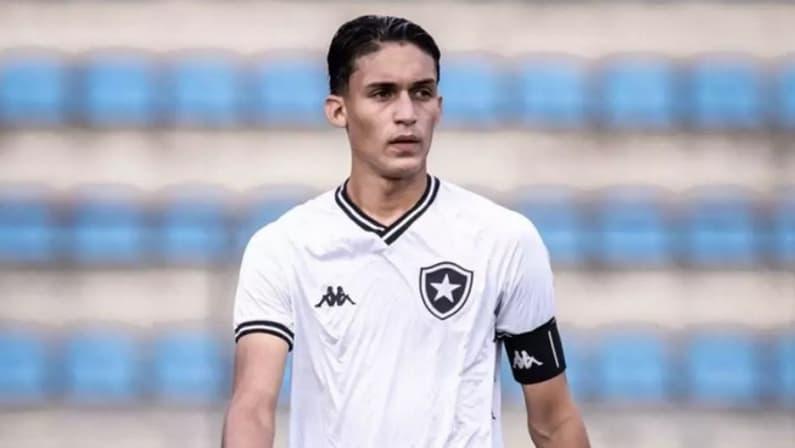 João Lucas, capitão do sub-17 do Botafogo