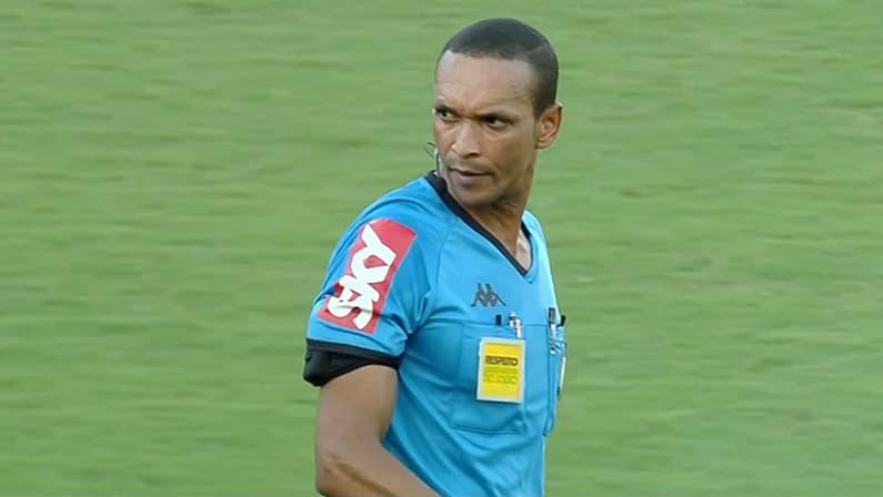 Árbitro Wanderson Alves de Sousa em Náutico x Botafogo   Série B do Campeonato Brasileiro