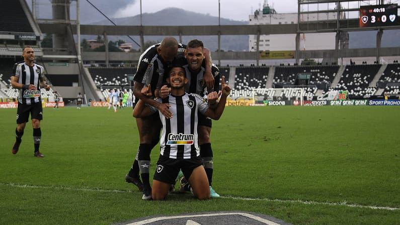 Pelo Botafogo, Marco Antônio alcança ano mais goleador da carreira