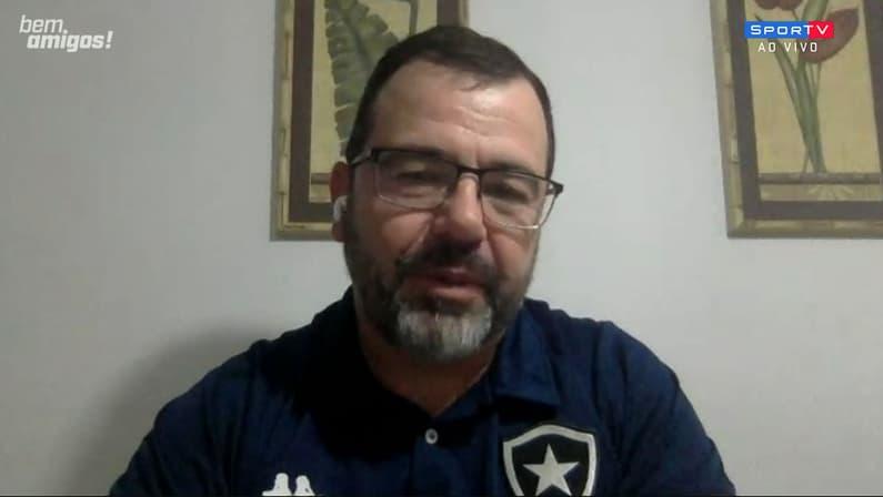 Enderson Moreira destaca Freeland e explica rápida reação no Botafogo: 'Surpreendente até para mim'
