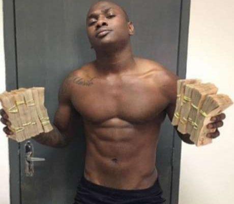 Goleiro na infância, Sassá recorda foto segurando maços de dinheiro no Botafogo: 'Foto que saiu foi a mais leve'