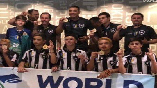 Futsal: Sub-14 do Botafogo/Casa de España conquista o World Championships nos EUA