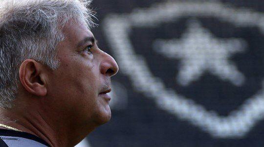 Corda no pescoço: Marcos Paquetá pode ser demitido até com vitória do Botafogo no Paraguai