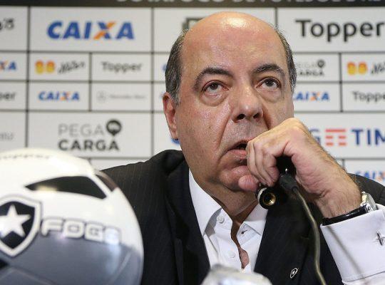 Presidente do Botafogo repudia invasão à sede e justifica antecipação de cotas da TV: 'Flamengo também fez'