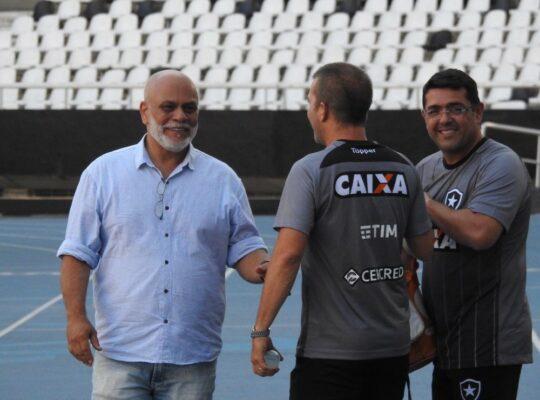 Psicólogo explica trabalho durante pandemia e refuta frase famosa: 'Não cabe a um clube como o Botafogo'