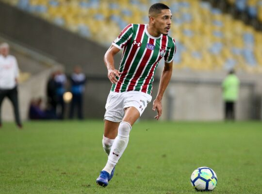 Botafogo tem interesse em Gilberto, mas por ética não vai forçar saída do Fluminense