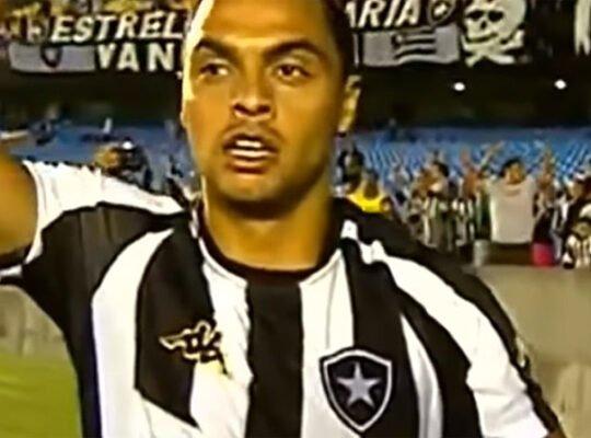 Dodô se declara: 'O Botafogo é a minha paixão. Todo mundo sabe disso'
