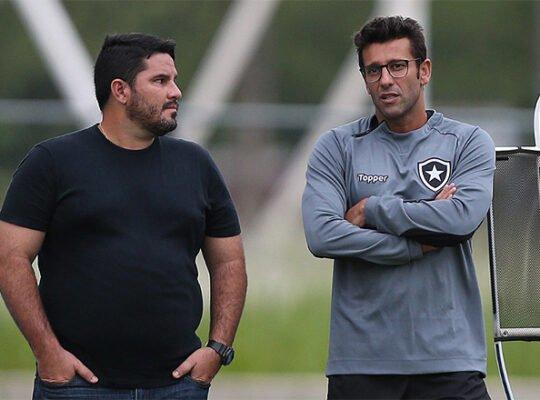 Montenegro cita pressão da torcida, diz que Botafogo errou ao demitir Barroca em 2019 e elogia Jair