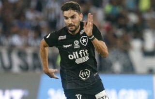 Montenegro rebate críticas de Rodrigo Pimpão ao Botafogo: 'Ninguém iria ao aeroporto ou viraria sócio por causa dele'