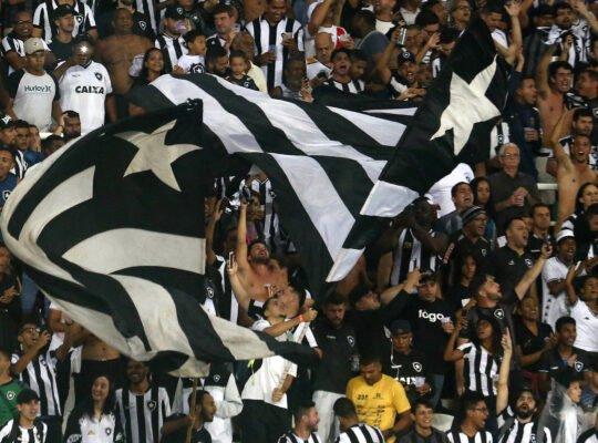 Estudo destrói falácia de que Botafogo só briga para não cair no Brasileiro; desempenho médio é superior a de Santos, Fluminense e Vasco