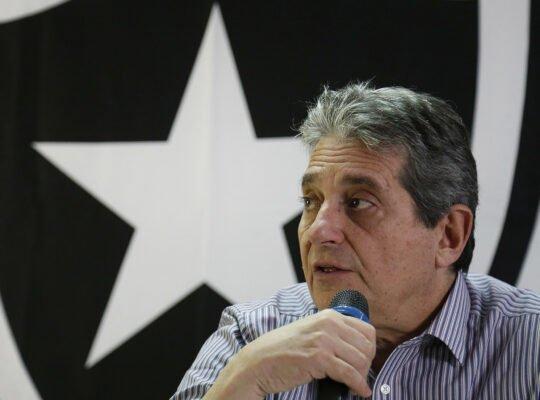 Botafogo acredita em vendas de jogadores no segundo semestre: 'Estamos abertos a propostas'