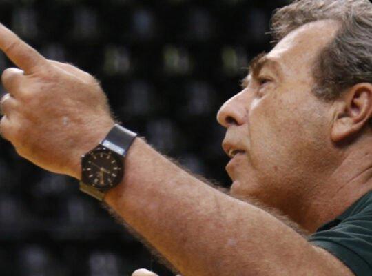 Montenegro, sobre posição do Botafogo: 'Recebo parabéns por fazer o básico. Prova o quão baixo nível está o outro lado'