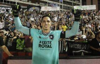 Sobrou! Gatito, do Botafogo, tem o melhor desempenho em pênaltis no Brasileirão desde 2013