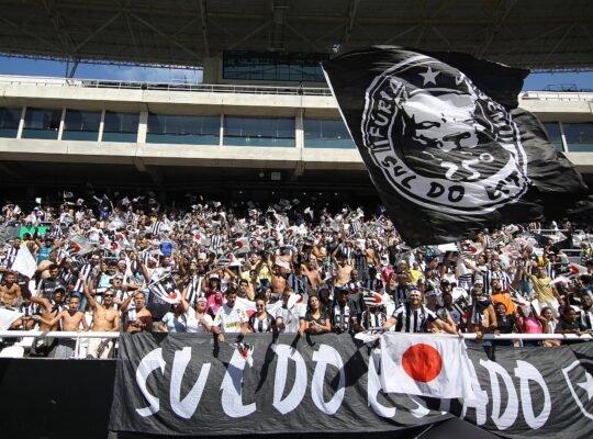 Engajamento da torcida faz Botafogo sonhar com dias melhores
