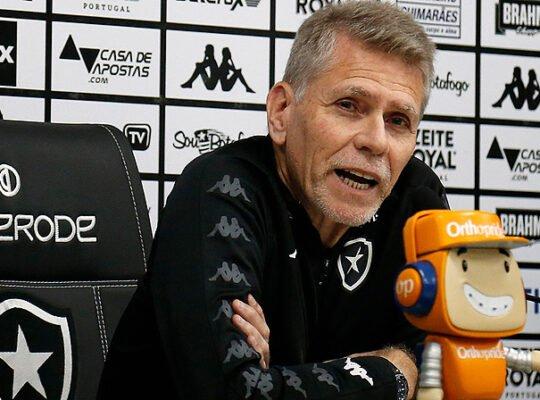 VÍDEO AO VIVO: Paulo Autuori concede entrevista coletiva em live do Botafogo
