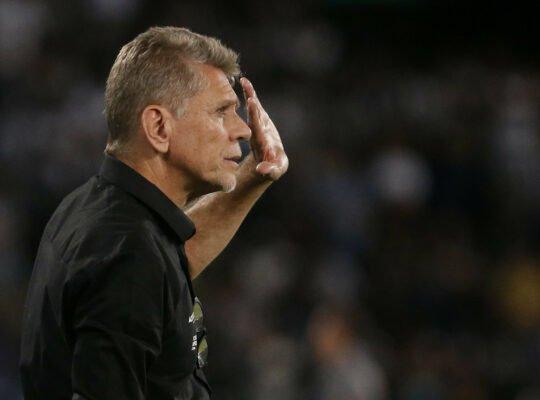 No Botafogo, Paulo Autuori diz: 'Futebol brasileiro deveria estar planejando 2021'