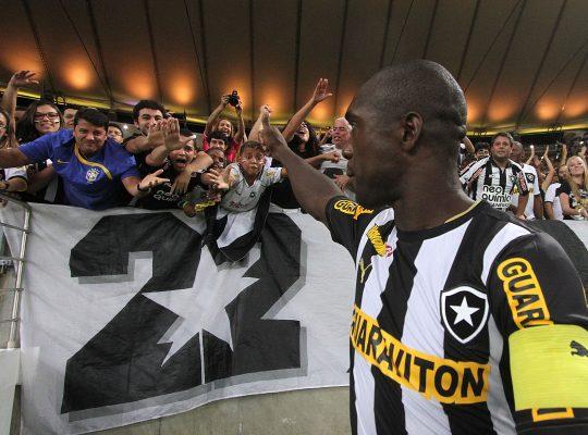 Seedorf é o mais votado em site em seleção do século do Botafogo; veja o time