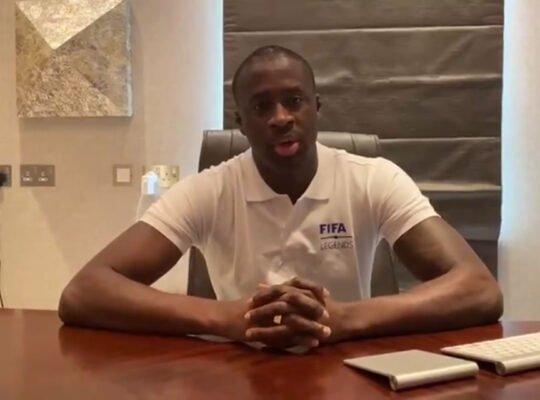 Repórter: Yaya Touré não tem contrato assinado com candidato do Vasco; Botafogo deve retomar conversas
