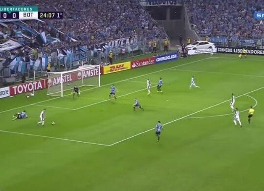 Pimpão relembra lance capital pelo Botafogo contra o Grêmio na Libertadores e vê eliminação como 'injusta'