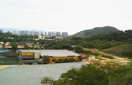 Empreiteira divulga novas fotos das obras de construção dos campos do CT do Botafogo