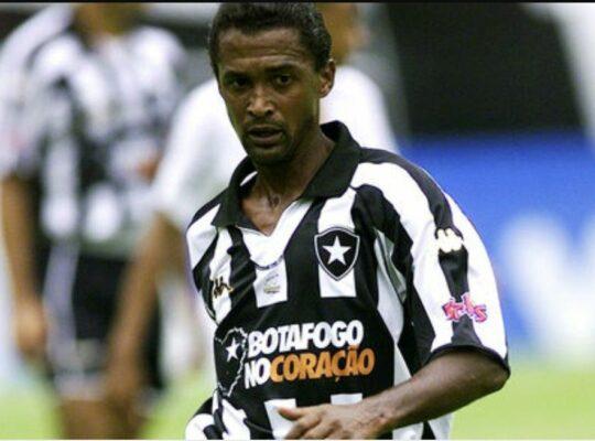 Lembra dele? Hoje técnico da seleção do Congo, Valdo foi símbolo do resgate do Botafogo: 'Estará sempre em meu coração'