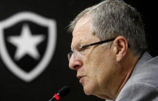 Vice do Botafogo critica Flamengo, vê politização em torno da volta aos treinos e pede união: 'Se não, todos vão perder'