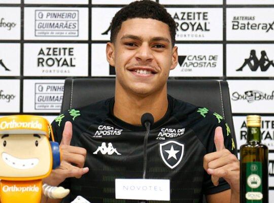 Luis Henrique, sobre interesse de europeus: 'Isso me deixa feliz e bem mais motivado para me dedicar ao Botafogo'