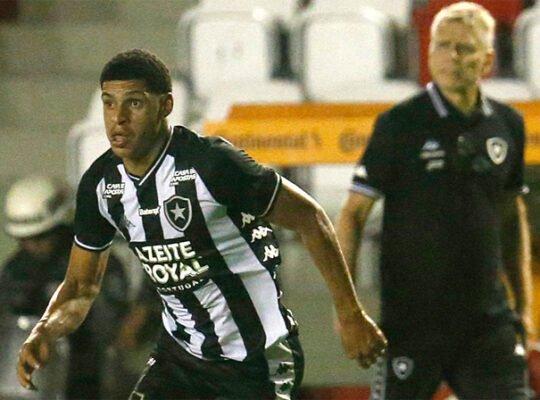 Botafogo confirma interesse de agente de Cristiano Ronaldo em Luis Henrique