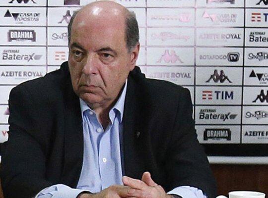 Mufarrej relata sondagens e espera venda de jogadores por receitas no Botafogo: 'Todos são negociáveis'