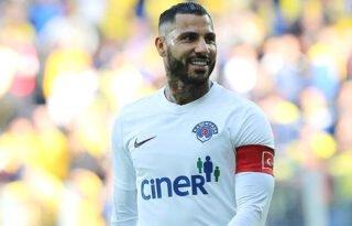 Ricardo Quaresma é oferecido ao Botafogo e mais dois clubes, mas alta do euro atrapalha
